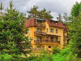 Семеен хотел Слънчев цвят