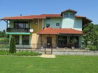 Къща за гости При Орехите
