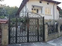 Къща за гости Сара
