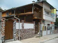 Къща за гости Ини