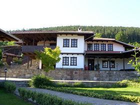 Комплекс Костадинови къщи