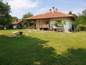 Къща за гости Лилиите