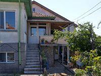 Къща под наем Ками