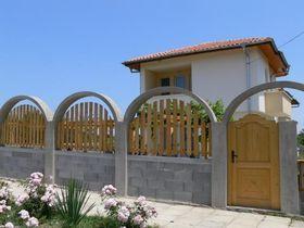 Къща за гости Дамая