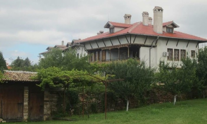 Къща за гости за 20 души в Арбанаси