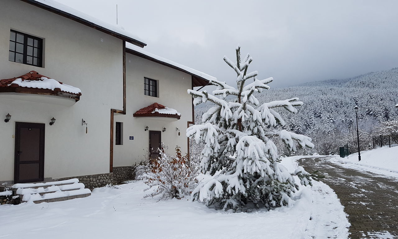 Самостоятелна къща в гр. Банско за Коледна почивка.